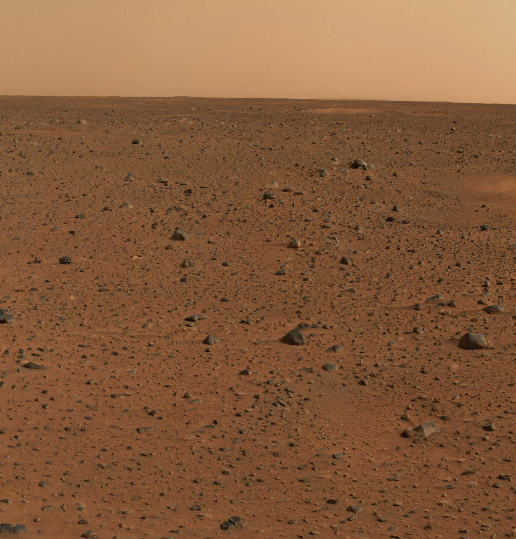 Spirit's_First_Color_Photograph_Mars-med