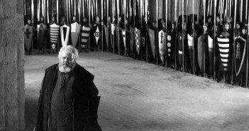 Faltsaff Chime of Midnight, Orson Welles with pikemen